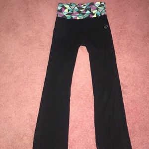 Black yoga pants with multicolored waistband